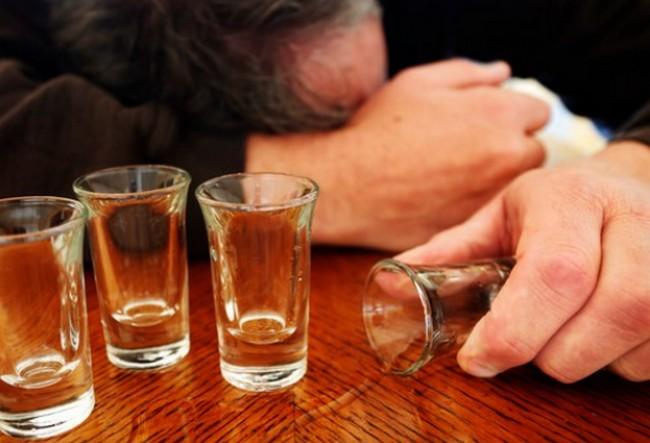 アルコール 勃起力低下